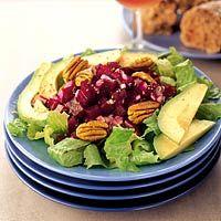 Recept - Salade van gemarineerde bieten en avocado - Allerhande