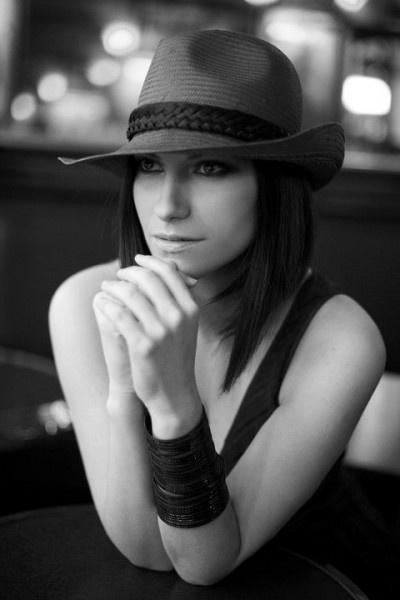 the ever stylish Laura Pausini