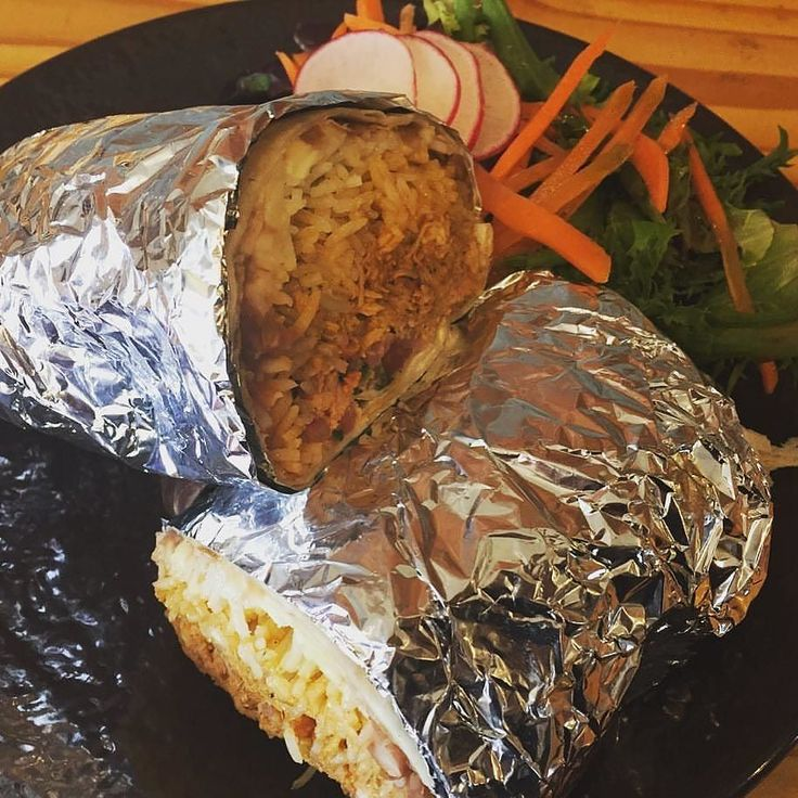 Today Boca 31 is featuring their CHICKEN CHIPOTLE BURRITO as the special of the day. Come and get it while it last! (With rice beans jack cheese crema pico de gallo and salsa verde) - $9.25 #chicken #burrito #superfood #denton #dentoning #UNT #TWU #foodporn #chefslife #wedentondoit #dentoneats #dentonproud #boca31 #latinflavors #visitdenton #welovedenton #boca31 #dentonslacker #chefandresmeraz
