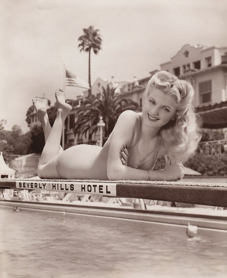 vintage everyday: Beautiful Portrait Photography of 50 Hollywood Actresses from the 1930s-40s