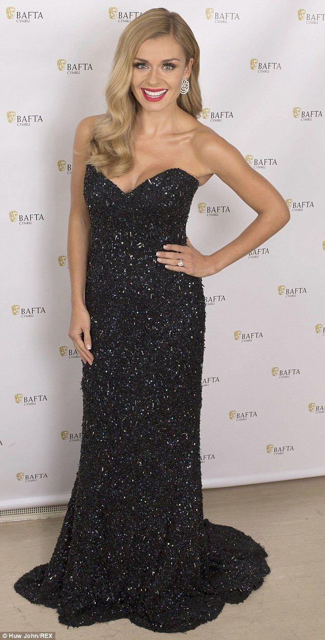 Katherine Jenkins arrives at BAFTAs without husband Andrew Levitas #dailymail