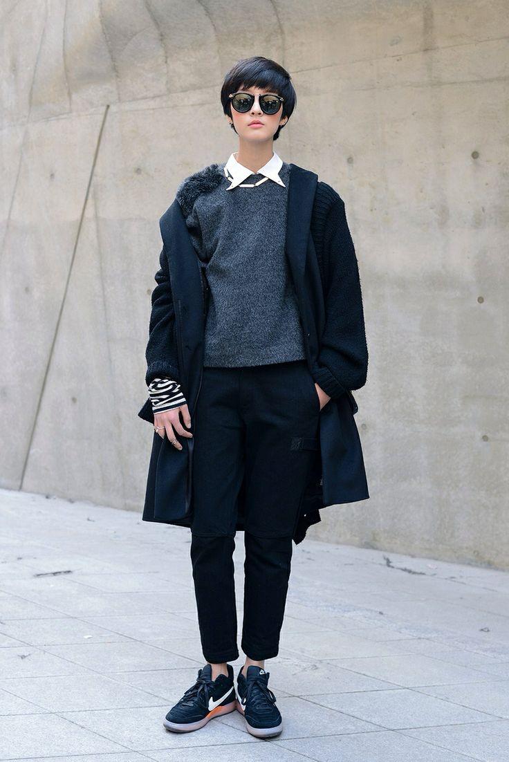 Streetstyle: Kang So Young at Seoul Fashion Week shot by Kim Jin Yong