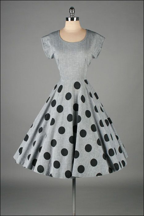 vintage 1950s dress . gray cotton . polka dots. This is beautiful! Too bad it's not easy to repro