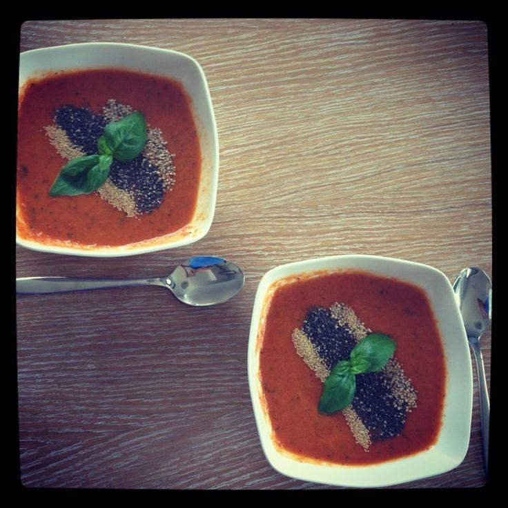 Krem ze świeżych i suszonych pomidorów