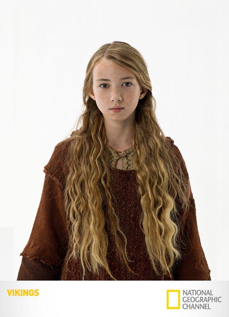 "Ruby O'Learly é ""Gyda"". Vikings. Segundas, 22h15. #Vikings www.natgeo.com.br/vikings"