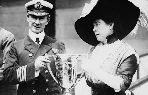 Arthur Rostron, captain of Carpathia, receives a trophy from Titanic survivor Molly Brown in May 1912. (Credit: Library of Congress): Margaret Brown, Molly Brown, Cups, Captain Arthur, Titanic Survivor, Unsink Molly, Rmstitan, Rms Titanic, Mollybrown