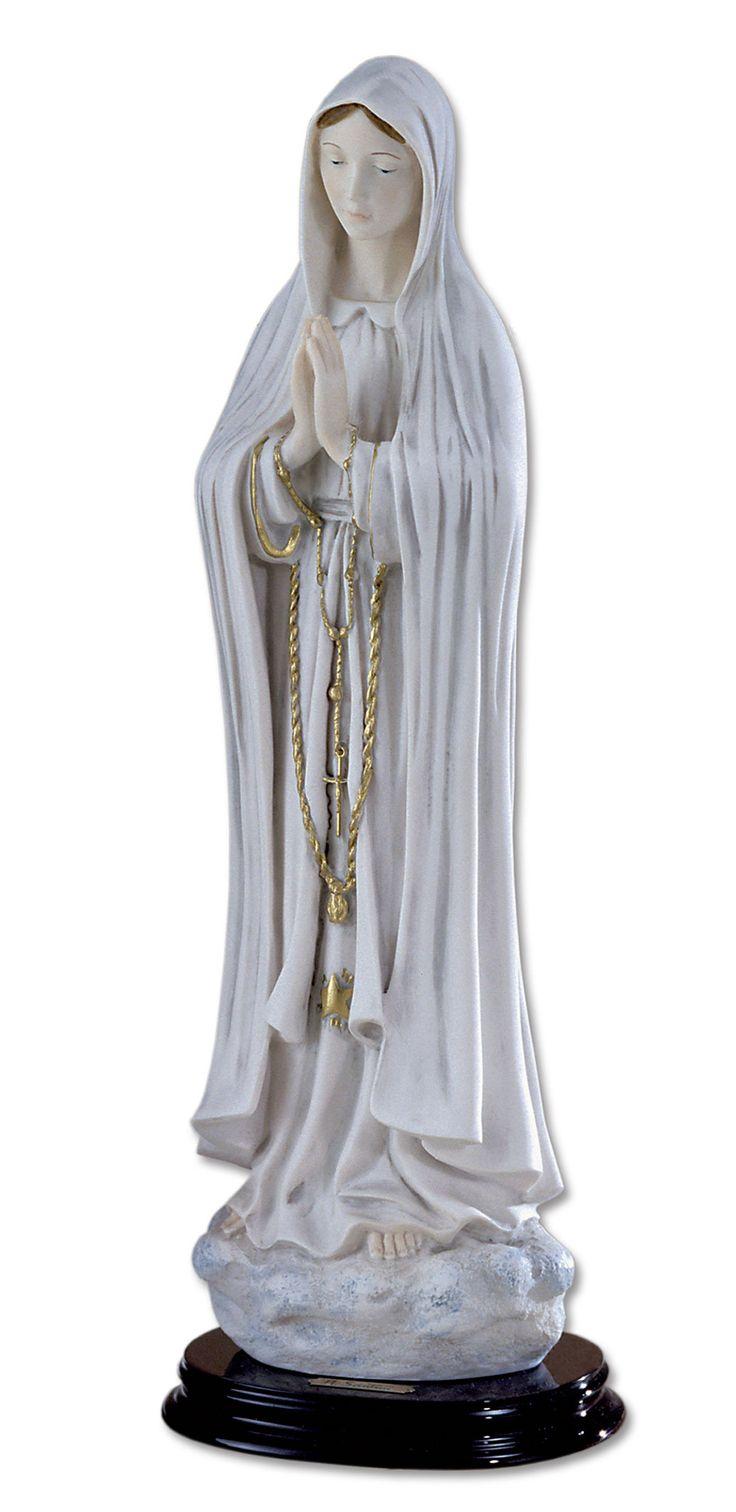 Beata Vergine di Fatima in polvere di marmo con base di appoggio.