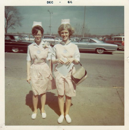 Minnie and Inez mistakenly believed that becoming candy stripers would be a good way to meet single millionaires.