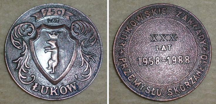 Medal okolicznościowy, XXX LAT ŁUKOWSKICH ZAKŁADÓW PRZEMYSŁU SKÓRZANEGO 1958-1988.  Średnica 6,5 cm, źródło: serwis aukcyjny.