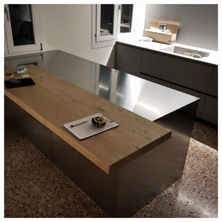 Pi di 25 fantastiche idee su bancone in legno su pinterest piani cucina in legno e - Bancone cucina legno ...