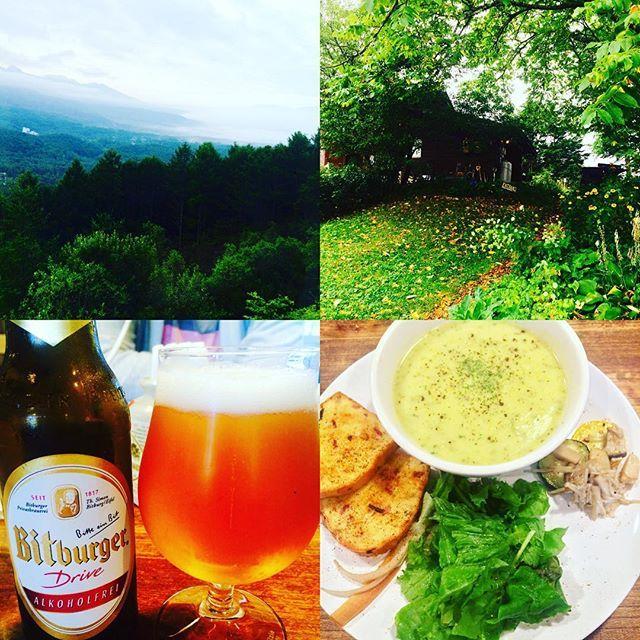 【hana4135】さんのInstagramをピンしています。 《行ってみたかったスープス八ヶ岳でランチ😋🍴 ズッキーニのクリーミースープとケークサレのセットです🙌🏻味が濃厚で美味しかった❣️ ドイツのノンアルコールビールを初めて飲んだけど、これも美味しかったです🍺  #スープ #ケークサレ #ランチ #森  #雨 #自然 #マイナスイオン》