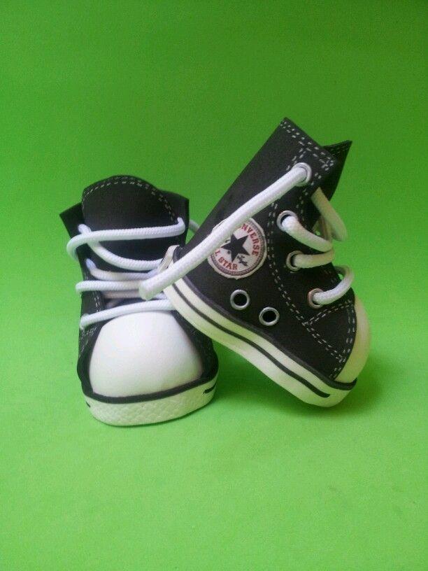 Botas Converse negras para fofuchas.