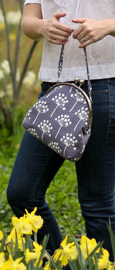 Dandelion Purse  tutorial for curved purse frame!  Love it!!!