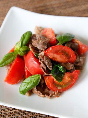【ELLE a table】トマトと牛肉のバジル炒めレシピ エル・オンライン