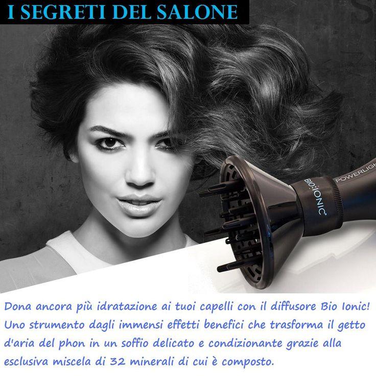 Rendere un phon Bio Ionic ancora più delicato ed efficace sui capelli è semplice: basta montare il diffusore! Perché anch'esso contiene l'esclusiva miscela di 32 minerali con effetto idratante, condizionante e anticrespo sui capelli, per rendere la vostra Piega Benessere ancora più bella ;-)
