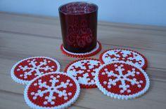 weihnachtliche Tischdeko mit Kindern machen - perler beads - Bügelperlen - perline da stirare