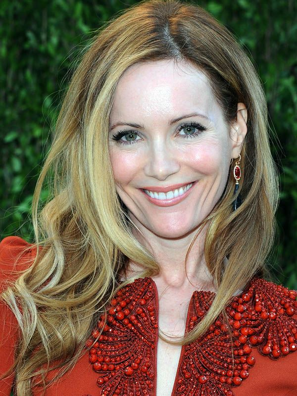 How-to: Leslie Mann's '70s-glam hair at the Oscars http://beautyeditor.ca/2013/02/25/how-to-leslie-manns-70s-glam-hair-at-the-oscars/