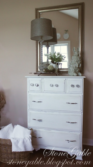 StoneGable: WHITE PAINTED DRESSER Love, love this piece!