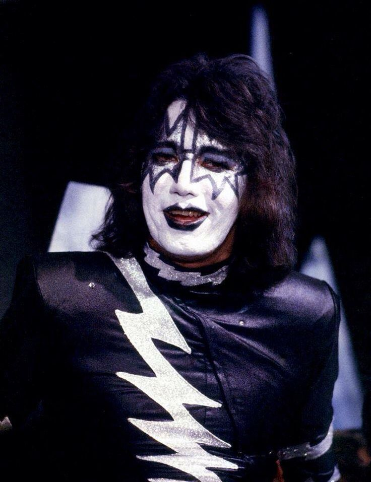 571 best ace frehley images on pinterest ace frehley hot band and a kiss. Black Bedroom Furniture Sets. Home Design Ideas