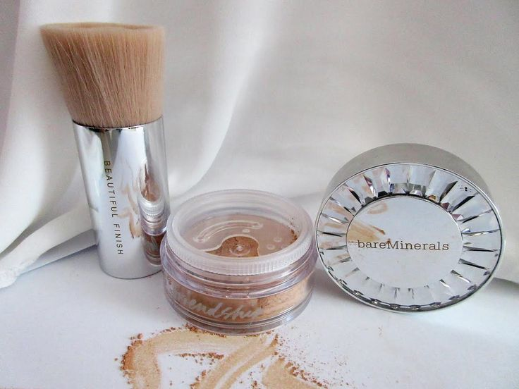 Although mineral make-up has been around for some time now, it's never been a product that I have been keen to try.  I never h...