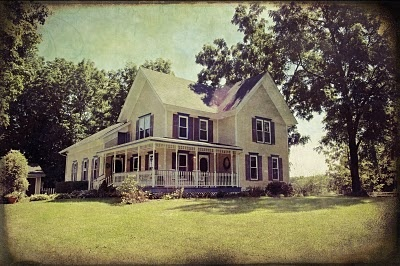 i have an obsession with farmhouses