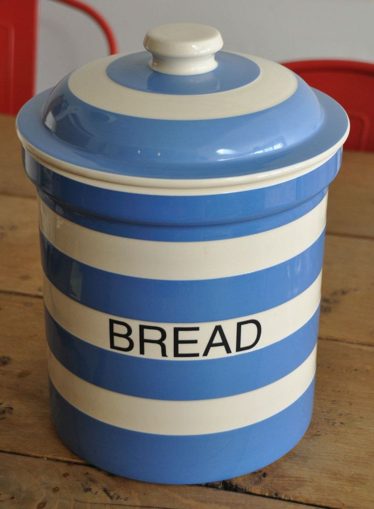 Tg Green Cloverleaf Era Bread Crock With Pottery Lid T G