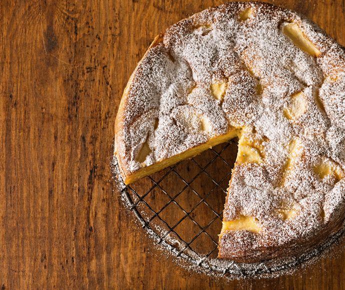 Apple and rosemary cake/dessert