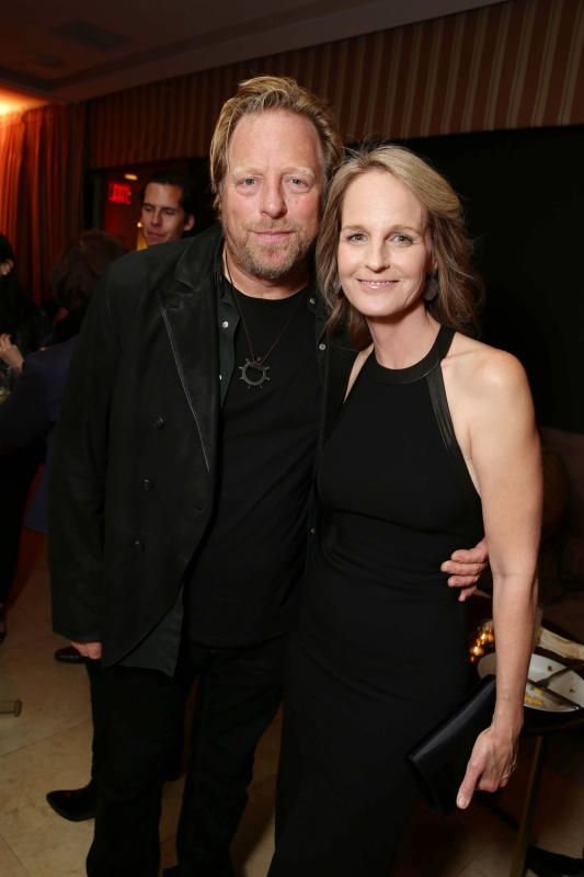 Matthew Carnahan, Helen Hunt split - Celeb splits of 2017