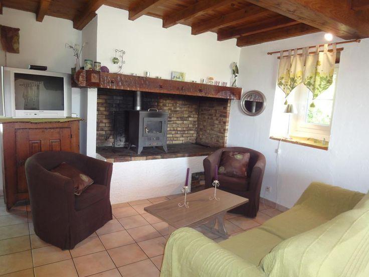 ATCHOUETOS   G113001  Gîte pour 5 personnes avec 2 chambres à ARAMITS,  Pyrenees Bearn En Béarn, à 15km d'Oloron-Ste-Marie Maison isolée
