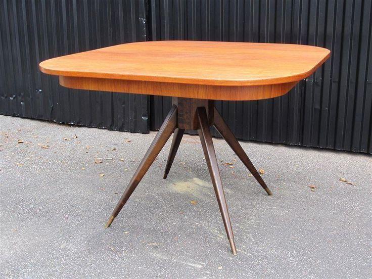 Matbord/Pelarbord 1950-60tal köpt i Borås