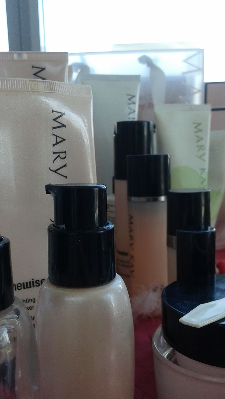 Oprócz kosmetyków do makijażu polecam bogatą ofertę kosmetyków do pielęgnacji twarzy, rąk i ciała