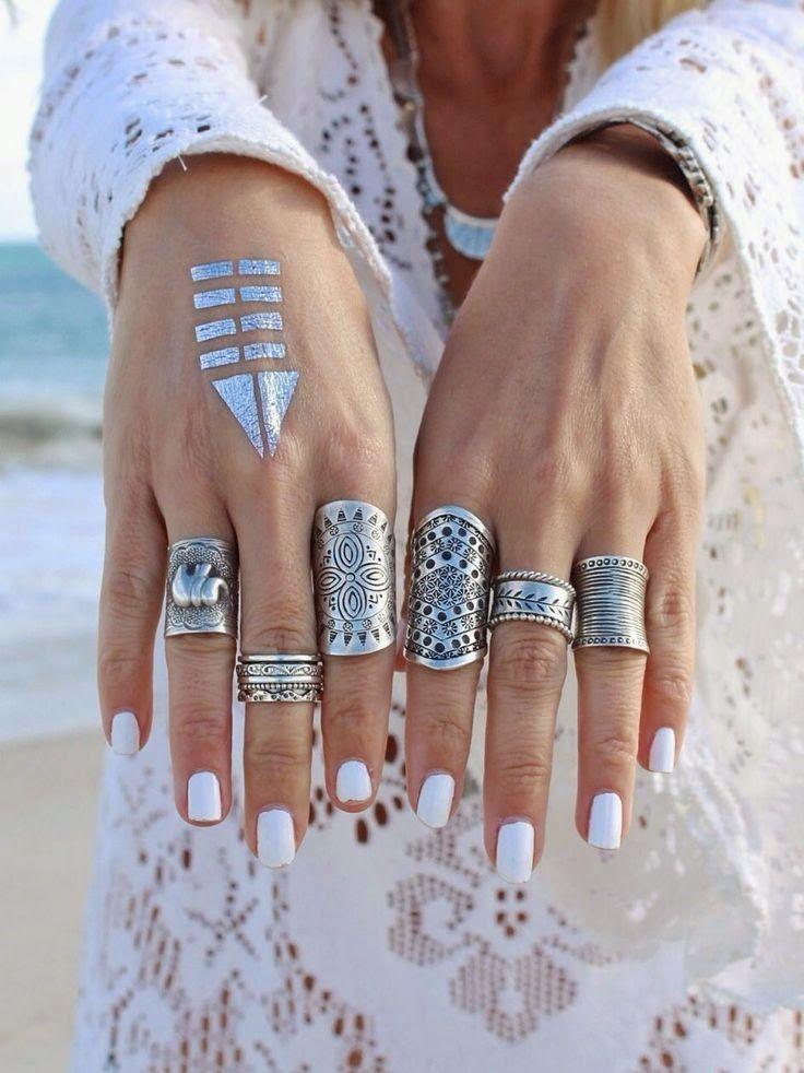 Adorable boho's wedding rings