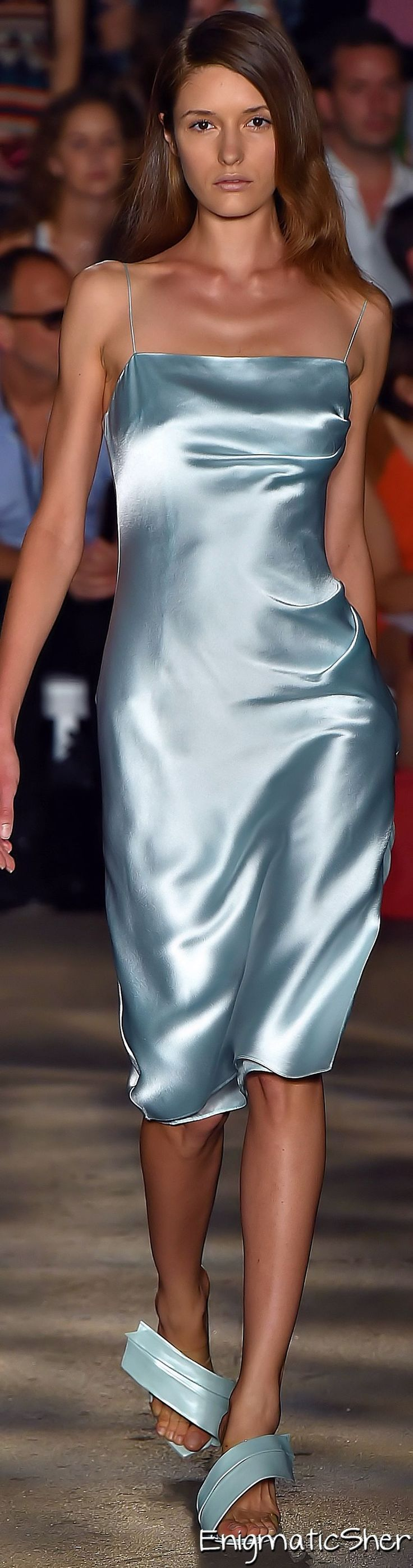 Christian Siriano Spring Summer 2015 RTW - An interesting trend, viewing foundation garments as actual garments that you would wear without trying to cover them up. Almost a new provocative trend. Definitely with a garment like this, it is important to have the right foundation garments on to avoid unwanted lines or the dreaded 'muffin top'.