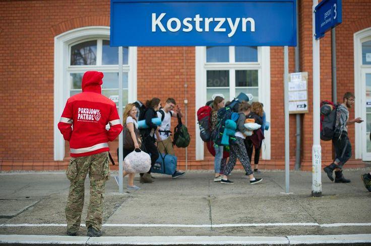 ekipa kolejowa dba o wasze bezpieczeństwo na stacji PKP Kostrzyn