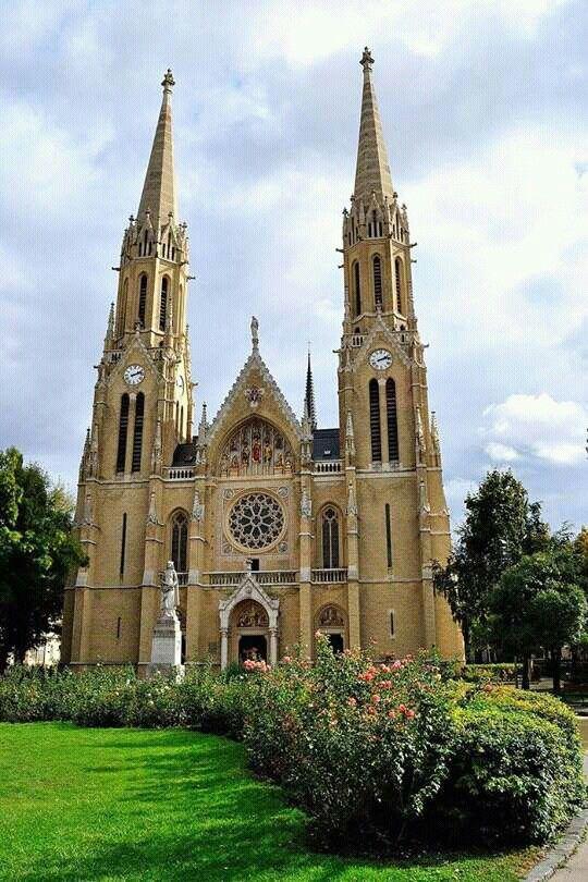 Árpád-házi Szent Erzsébet templom Budapest Rózsák- tere