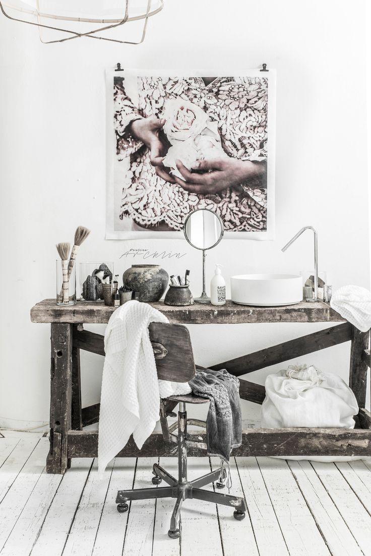 © Paulina Arcklin   Blog post: HELLO DECEMBER AND BATHROOM MOMENTS!