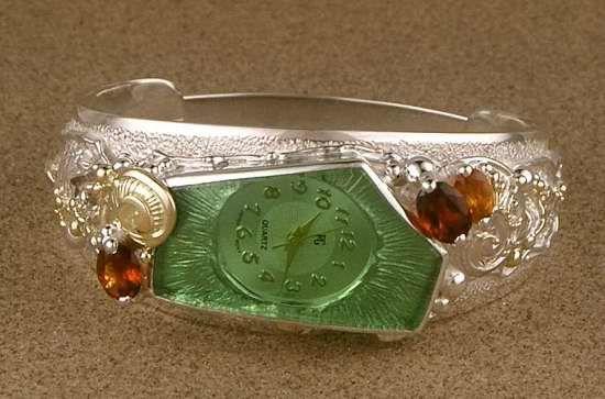 Konstsmycken, Hänge, Ringar, Örhängen, Armband, Halsbad, Peridot, Granat