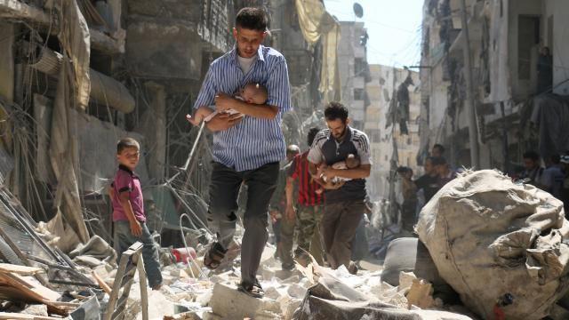 In Aleppo gaat het ontbreken van bescherming voor baby's en gewonden door, vanwege een veto van Rusland en China.