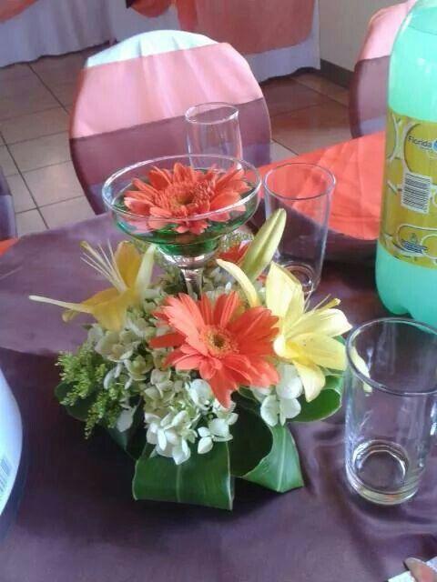 1000 images about arreglos con copas on pinterest for Centros de mesa con copas
