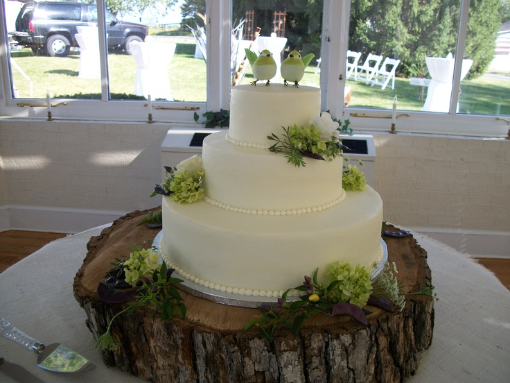 wood slab for wedding cake simple and stylish wedding cake on a wood slab 27613