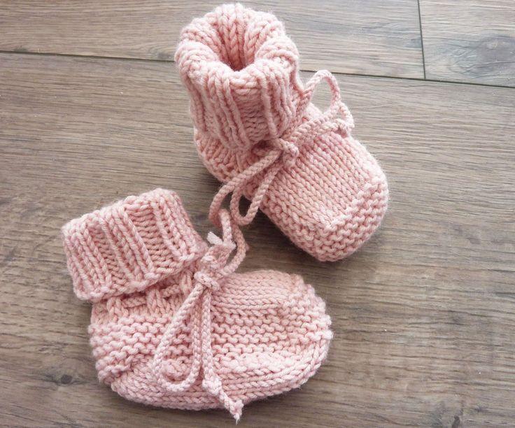 Eine Freundin hat vor einigen Tagen ihr zweites Kind bekommen. Für ihren Sohn hatte ich auch schon solche Schuhe gestrickt. Sie fand sie t...