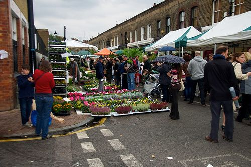 Columbia Road Flower Market ©  Lee-Anne Inglis via Flickr CC