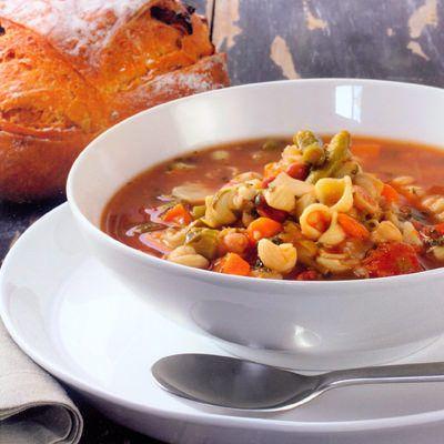 Italiaanse maaltijdsoep met tomatenpesto - recept - okoko recepten