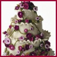 15 best dolci e dolcetti amigrumi images on pinterest crochet food theres a tutorial for this crochet wedding cake over at diy bride this would be good to make the white basic cake and then add accessories based on ccuart Gallery