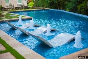 Nice way to relax in the pool