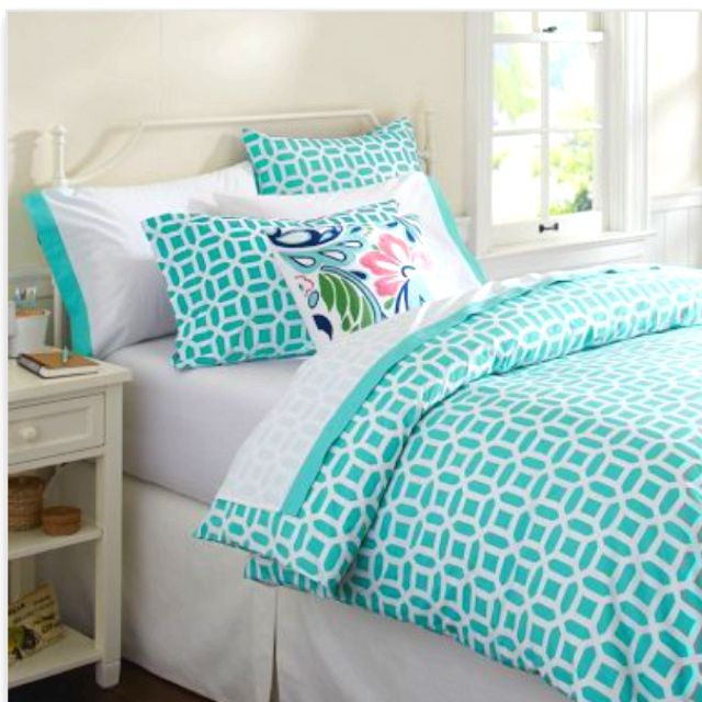 Dorm bedding has finally been decided!!