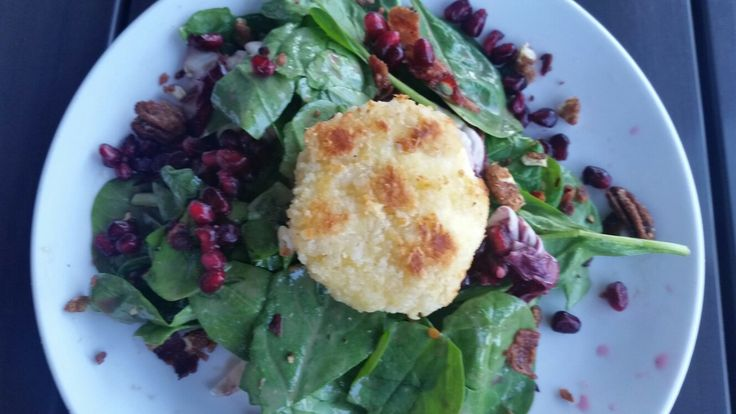 Restaurant Week Gilbert Spinach Salad Thirsty Lion Gastropub