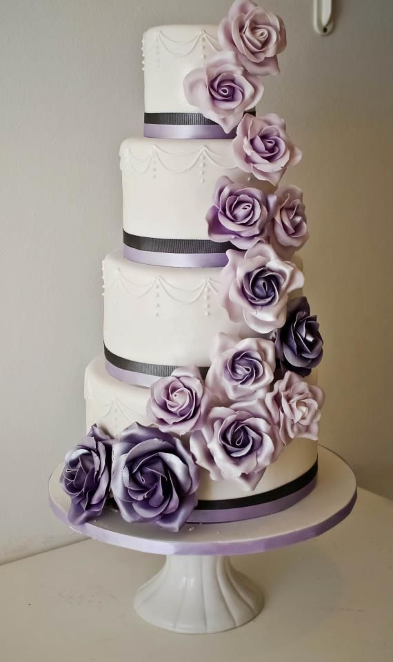 17 Best ideas about Lavender Wedding Cakes on Pinterest Bling