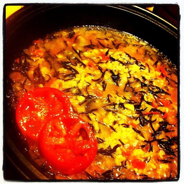 タジンウィーク5日目の金曜日はスペインのおじや、カルドソ。 ひじき、角切りトマト、セロリ、玉ねぎ、にんにくを炒めて米を入れブイヨンスープで煮込んでます。 見た目は地味だけどクセになる美味しさ。 ごちそうさまでした☆ - 118件のもぐもぐ - スパニッシュタジン [カルドソ] by raycheal