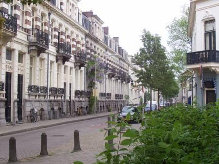 Deftige herenhuizen in de Spijkerstraat uit 1884 gebouwd in Franse neo-renaissance stijl.